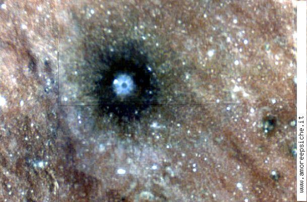 Microbi alieni e puzzolenti sulla luna 1